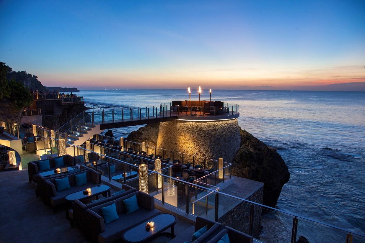 5aa44e1a5a55 10 Best Rooftop Bars in Bali - Bali Getaway Australia